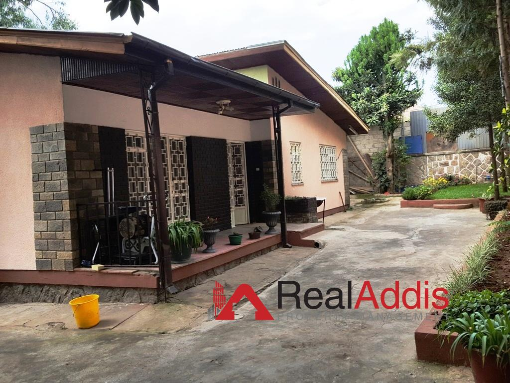 House For Rent – Lancha Area
